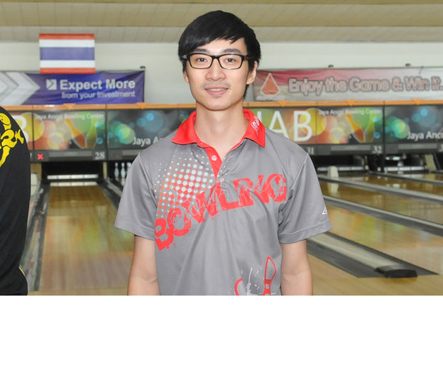 <a class='boldnavtext' href='results/12thindo-res.htm#Oct22'>Hong Kong national bowlers dominate</a><span class='plaintext'><br><b>22nd October, Jakarta</b>: Hong Kong national bowlers competing at the 12th Indonesia International<br>Open Bowling Championships dominated the Men's Open Masters qualifying rounds by occupying the first two positions.</span>