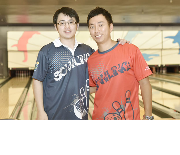 <a class='boldnavtext' href='results/41sthkg-res.htm#Aug26'>Hong Kong nationals shine</a><span class='plaintext'><br><b>26th August, Hong Kong</b>: Three-time Hong Kong Open champion, Wu SIu Hong and 2011 PBAP Classic Champion, Joshua Chow shone in the opening qualifying rounds of the 41st Hong Kong International Open underway at SCAA Bowling Centre.</span>