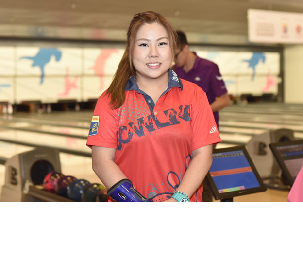<a class='boldnavtext' href='results/41sthkg-res.htm#Aug27'>Hong Kong youth eyes first title</a><span class='plaintext'><br><b>27th August, Hong Kong</b>: 2013 Hong Kong Open Youth champion, Joan Cheng put herself in<br>contention for the Women's Open Masters crown of the 41st Hong Kong International Open after<br>taking over top spot in the local pool.</span>