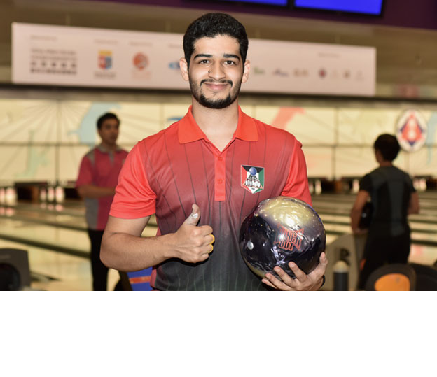 <a class='boldnavtext' href='results/41sthkg-res.htm#Aug28'>Kuwaiti shoots 300 for lead</a><span class='plaintext'><br><b>28th August, Hong Kong</b>: ABF Tour Egypt leg champion, Mohannad Ebrahim of Kuwait rolled the<br>second perfect game of the 41st Hong Kong International Open to leapfrog into the lead of the Men's Open Masters qualifying table.</span>