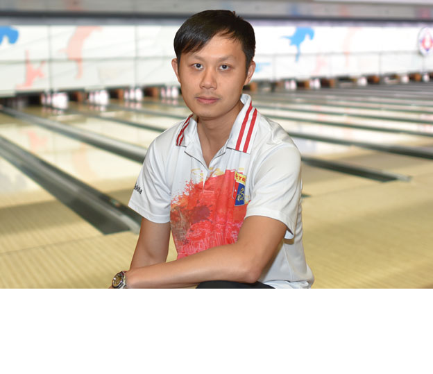 <a class='boldnavtext' href='results/43rdhkg-res.htm#Jul12'>Hong Kong national makes top bracket</a><span class='plaintext'><br><b>12th July, Hong Kong</b>: National kegler, Wicky Yeung of Hong Kong became the first qualifier to surpass the 1400-mark with 1423 to lead the Men's Open Masters local qualifying table of the 43rd Hong Kong International Open at SCAA Bowling Centre.