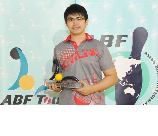 <a class='boldnavtext' href='results/abf-indo14.htm#Day1'>Memorable victory for duo</a><span class='plaintext'><br><b>27th October, Jakarta</b>: Mike Chan of Hong Kong and Sharon Limansantoso took a memorable victory in the ABF Tour Indonesia 2014 by winning the Men's and Women's titles at Jaya Ancol Bowling Centre on Monday.</span>