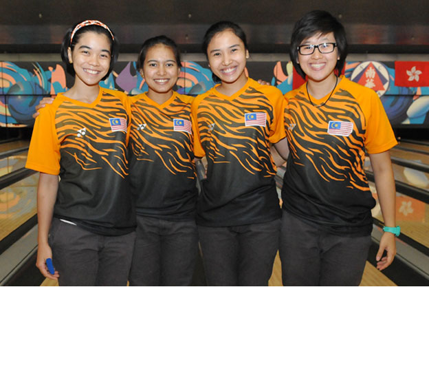 <a class='boldnavtext' href='results/wyc2014-res.htm#TeamSq2'>Malaysian quartet clinches third</a><span class='plaintext'><br><b>12th August, Hong Kong</b>: Malaysia completed their first block of Girl's 4-player Team event to top the second squad at the CGSE World Youth Championships 2014 to move into second overall while the boy's squad leader, Canada managed only eighth.</span>